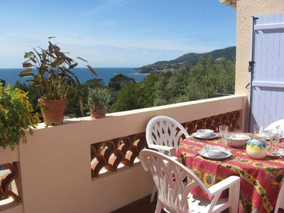 A beautiful view on the sea, a large apartment with terrace and private garden