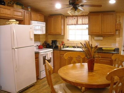 Bat Cave cabin rental - Kitchen/Dinning Area
