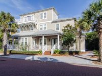 Sand In Your Sox~2 Masters, 5 Decks, Outdoor Kitchen, Near Beach, Pool & Dining!