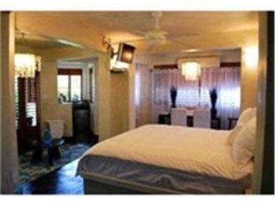 Beautifully Designed 1 Bedroom Cottage, Negril