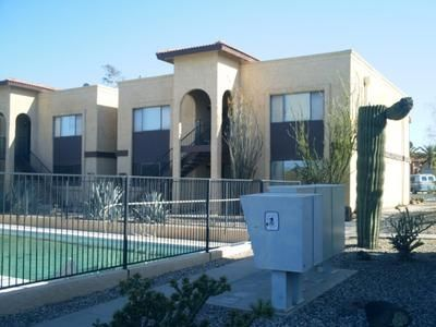 Convenient location to Downtown Wickenburg, Phoenix and Shopping