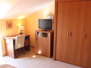 Ploce apartment photo - A private desk and TV in both bedrooms
