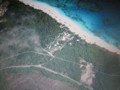 GoogleEarth view shows seclusion and ideal  oceanfront location of Poponi