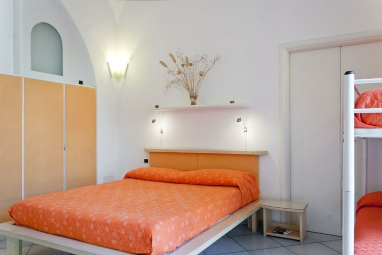 Holiday house, 130 square meters , Napoli, Italy