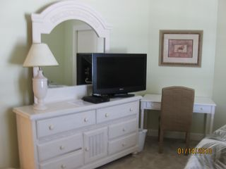 "Orange Beach condo photo - 3d BR with Twin Beds, Writing/Computer Table & 32"" Flat LCD TV!"
