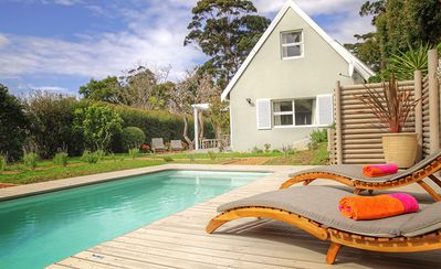 Cottage deluxe with beautiful pool area