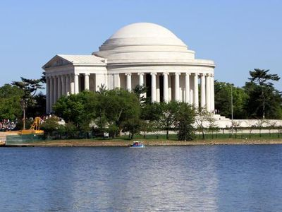 Jefferson Memorial on the Potamac