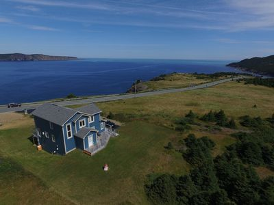 Executive Home, Stunning Ocean View, 10 Min to St John's