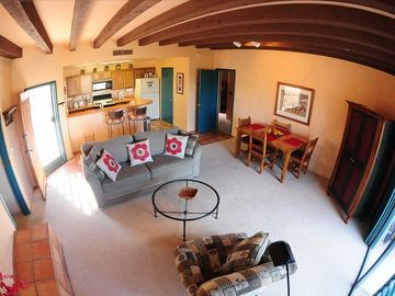 Tucson townhome rental - Great room