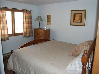 Allenspark cabin rental - Downstairs bedroom with king bed