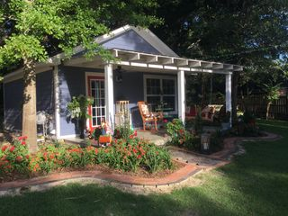 Quaint Cottage Between the beach, harbor... - HomeAway