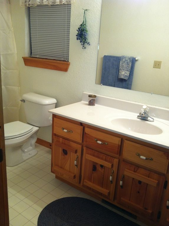 Full bathroom downstairs