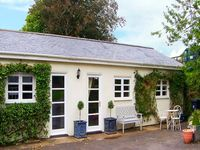 BIRCH LODGE, pet friendly in Charlton Marshall, Ref 914859