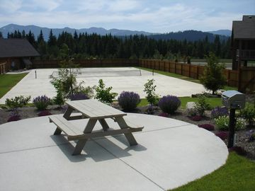 Tennis and Picnic Area - Tennis Court and one of 3 Picnic Areas with Gas BBQs at the Activity Center. Seasonal Facility.