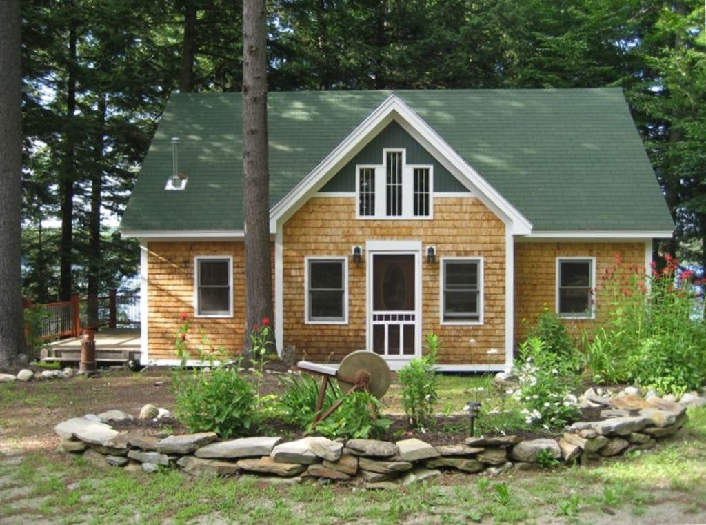 Cedars cottage on maranacook lake the homeaway winthrop for Winthrop cabin rentals
