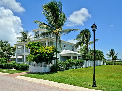 Perfectly Positioned On Sunset Key - 500 Yards Off-shore Key West