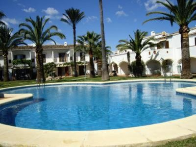 BEAUTIFUL BUNGALOW WITH TROPICAL GARDEN. www.vacaciones-en-denia.blogspot.com