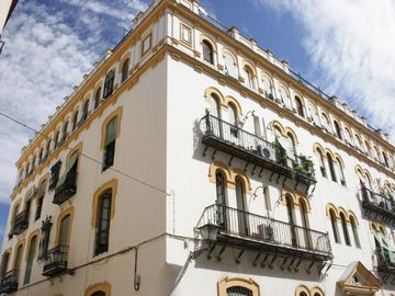 Seville Old Town apartment rental - Outside of the building - 1st floor with balcony