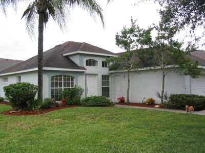 3BR/2BA Pool Home on Golf Course