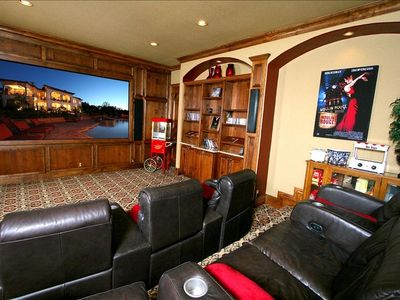 Theatre Room for your Movie Night - Seats 7 - by a