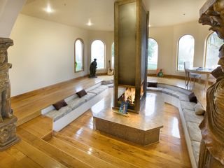 Malibu house photo - Gather your group together for a little fireside chat.