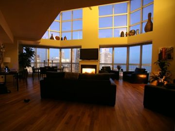 Chicago condo rental - The great room