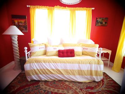 Emerald Isle cottage rental - Beautiful day bed ( upstairs )