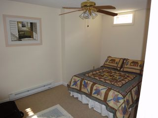 Ossipee Lake townhome photo - Downstairs bedroom