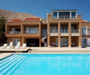 Air-conditioned accommodation, max 12 persons,  Pag