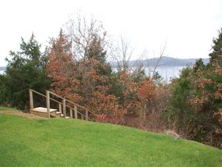 Branson condo photo - The trail down to the shore is right behind the building.