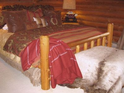 Jackson Hole cabin rental - Snuggle into a king size in the master bedroom surrounded by western decor.