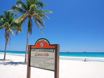 Beautiful Ft. Lauderdale Beach only 1 mile away!