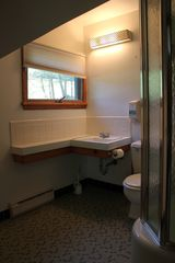 Lake Wallenpaupack lodge photo - Bathroom 1