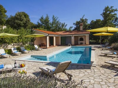 A villa for 8-10 people on a country estate of four villas and a shared swimming pool.