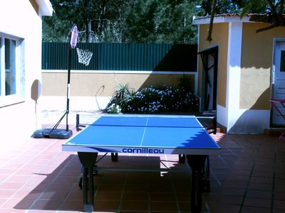 Exterior tennis table (Ping-Pong)
