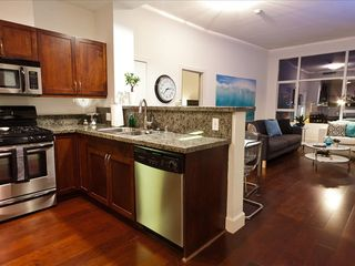 Gorgeous Remodeled Kitchen, Hard Wood Floors with Elevated Ceilings - San Diego condo vacation rental photo