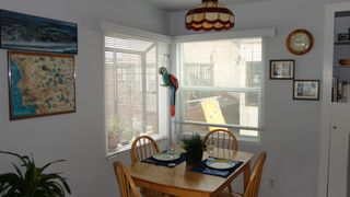 Mission Beach apartment photo - Dining table enlarges; becomes center for computer, table games, open to lvg rm.