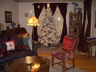 Christmas at Seawright House, Decorated each year! Book EARLY.
