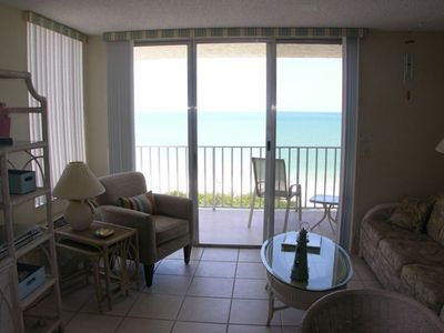 The recently redecorated living room, with great views of the Gulf of Mexico!