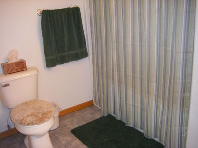 Two bathrooms with shower & tubs