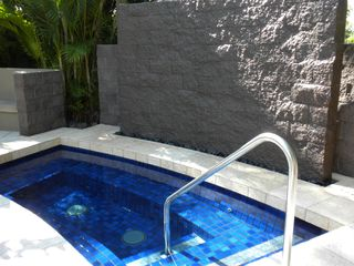 Waikoloa Beach Resort condo photo - one of two whirlpools @ Vista Waikoloa
