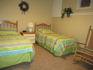 Bretton Woods townhome photo - Lower Level Bedroom with Twin Beds