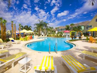 Runaway Beach Resort condo photo - Zero-entry fun family pool