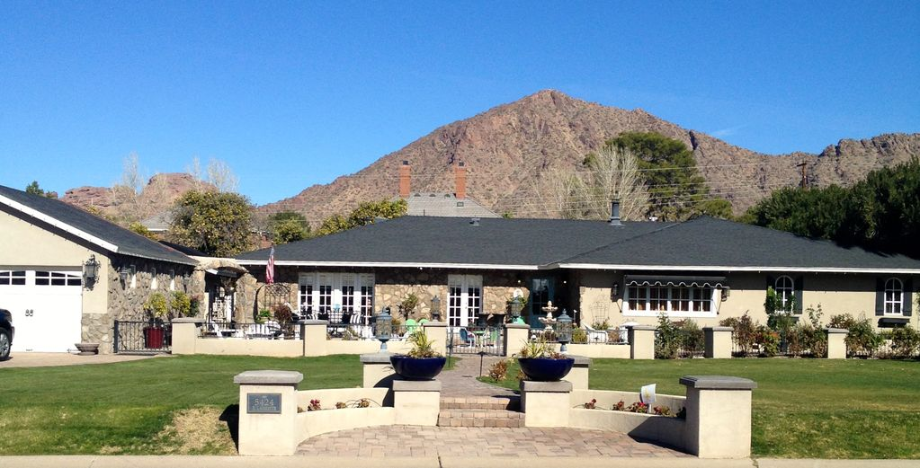 Luxury ranch style home phoenix scottsdale vrbo for Executive ranch style homes