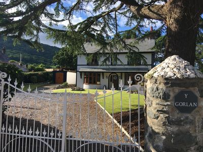 Y Gorlan, Rowen. An ideal base for families, walkers, cyclists and surfers