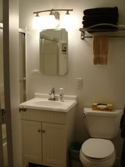 Weirs Beach condo photo - Bath