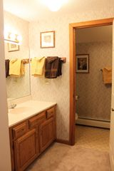 Bretton Woods townhome photo - Upper Level - Guest Bathroom