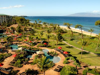 Resort, pools and Ka'anapali Beach!!