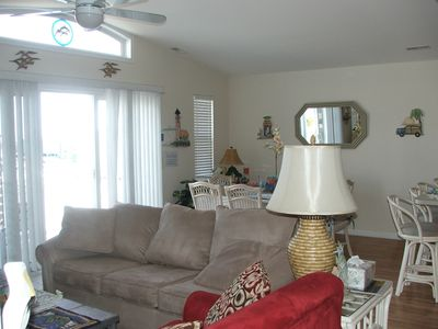 Great Room, Large flat screen & blue ray dvd, always updating! Large Clean.