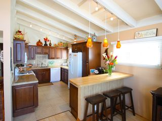 Marina del Rey condo photo - The kitchen comes fully equipped